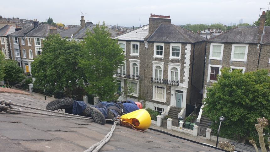 How can Abseiling Roof Cleaning London Companies Help You?